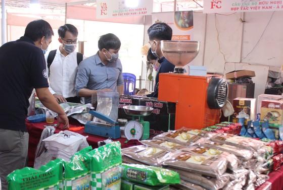 Hội chợ vui xuân đón Tết Tân Sửu 2021 tại Phú Mỹ Hưng ảnh 1