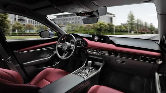 Nữ giới ngày càng ưa chuộng Mazda3 Sport ảnh 1