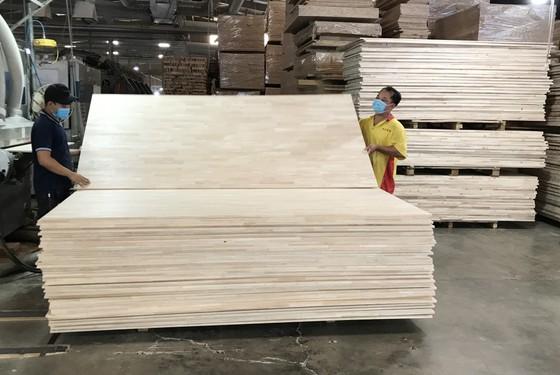 Gần 50% sản lượng gỗ MDF sản xuất trong nước là của VRG   ảnh 1