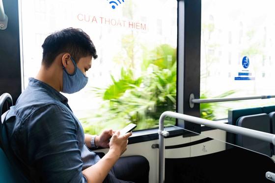 Háo hức khám phá xe buýt điện đầu tiên tại Việt Nam với những trải nghiệm 'cực chất' ảnh 3