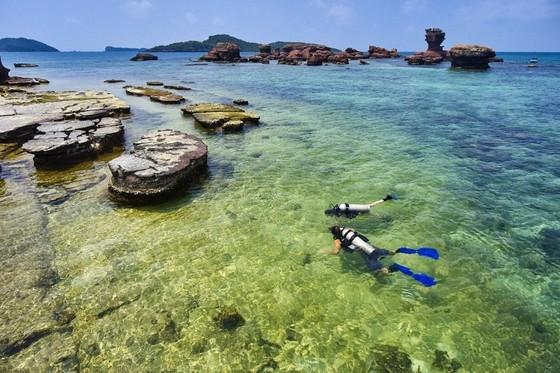 Báo quốc tế: Quên Phuket đi, đây là Phú Quốc - niềm hi vọng lớn của du lịch Việt Nam ảnh 1