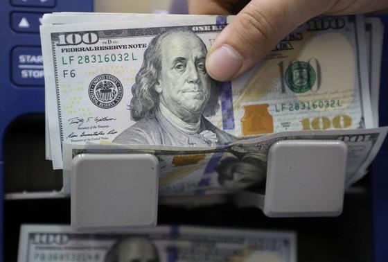Ngân hàng Cuba ngừng tiếp nhận tiền gửi bằng USD ảnh 1
