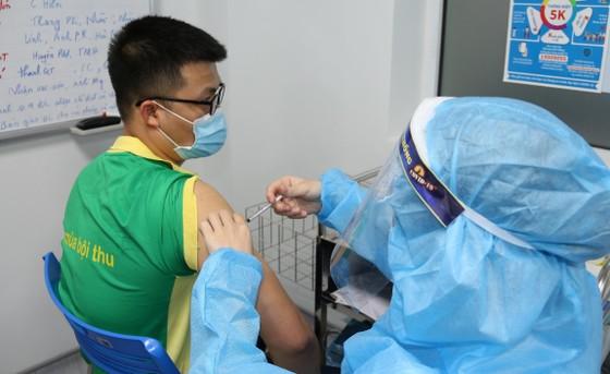 PVFCCo triển khai tiêm vaccine Covid-19 cho người lao động ảnh 3