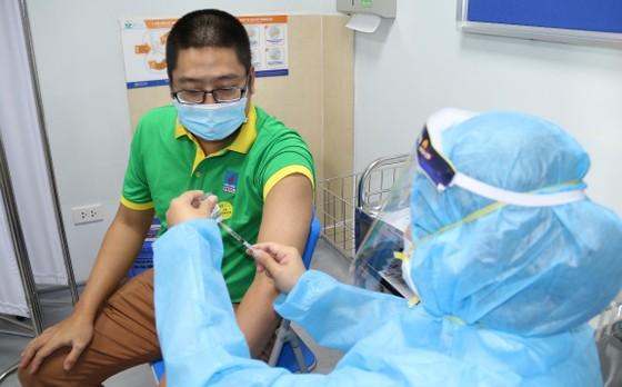 PVFCCo triển khai tiêm vaccine Covid-19 cho người lao động ảnh 4