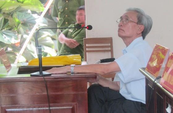 Giảm án cho bị cáo Nguyễn Khắc Thủy về tội dâm ô trẻ em ảnh 1