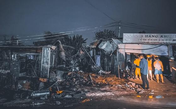 Cháy chợ huyện ở Tây Ninh ảnh 1