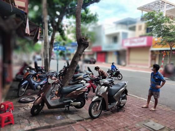 Vũng Tàu: Người dân tấp nập ra đường sau hơn 2 tháng ở nhà phòng dịch ảnh 4
