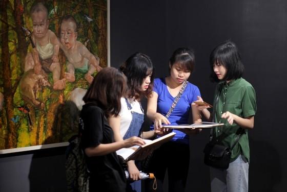 Trưng bày 33 tác phẩm của 8 nghệ sĩ trẻ đương đại ảnh 2