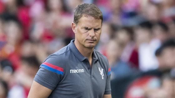 HLV người Hà Lan cần nhanh chóng ổn định lối chơi cho Crystal Palace.
