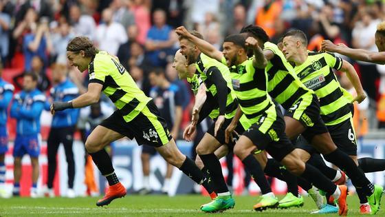 Bản lĩnh thi đấu kiên cường chính là sức mạnh của Huddersfield.