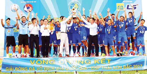VCK giải bóng đá U.15 quốc gia 2017: Đội PVF lần thứ 3 vô địch ảnh 1