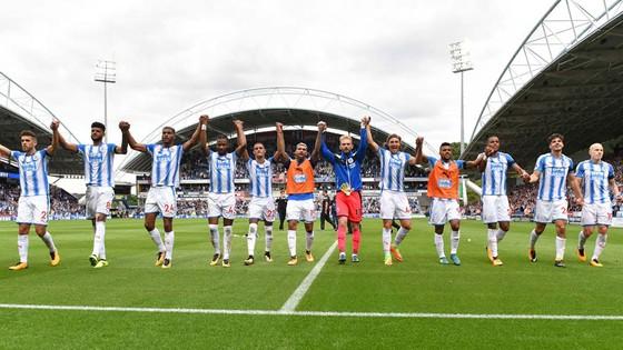 Ấn tượng Huddersfield ảnh 1