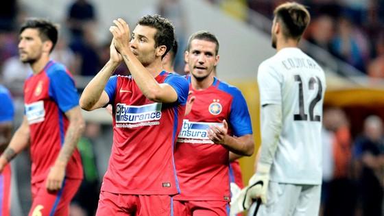 Steaua Bucharest -  NewSporting Lisbon: Nguy hiểm rình rập ảnh 1