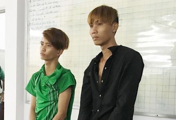 Vụ kẻ cướp bị truy đuổi đâm 2 nam thanh niên trọng thương: Thưởng nóng người dân bắt cướp ảnh 3