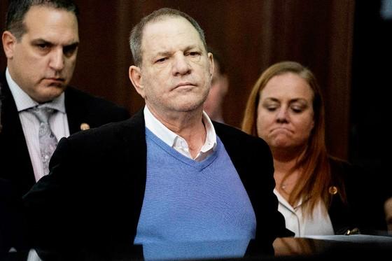 """Trùm Hollywood"" Harvey Weinstein bị truy tố tội hiếp dâm ảnh 1"
