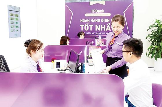 TPBank miễn hơn 60 loại phí dịch vụ cho khách hàng ảnh 1