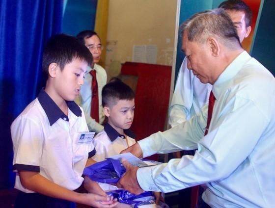 華人團體熱心教育事業 ảnh 1