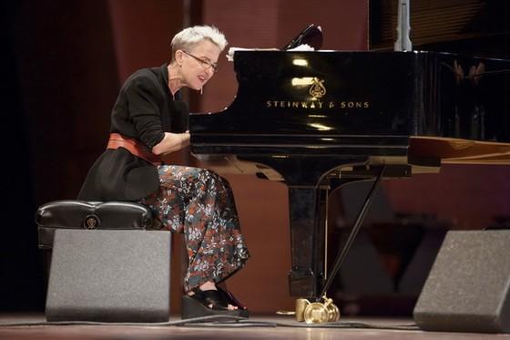 米拉‧梅爾弗在本市舉辦鋼琴演奏會 ảnh 1