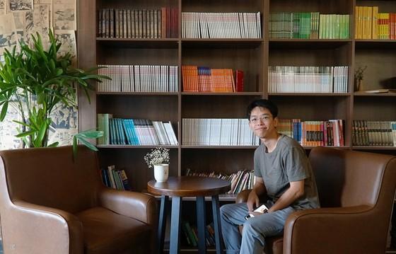 光顧獨特的書香咖啡店 ảnh 1