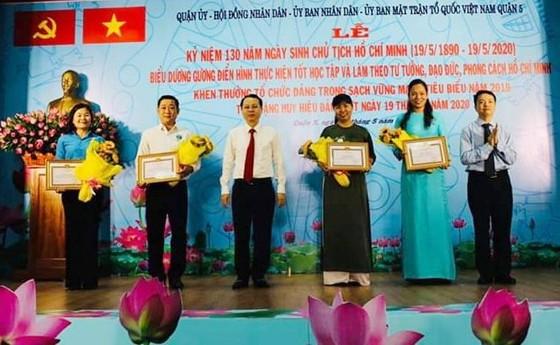 第五、第十一郡多位華人與單位獲表彰 ảnh 1