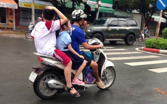 上街時別忘確保孩子安全 ảnh 1