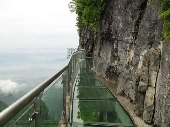 玻璃棧道懸崖吊橋?全球最不可思議的人行步道! ảnh 2