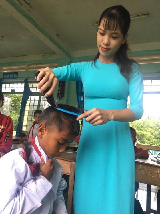 偏遠地區的年輕女大使 ảnh 2