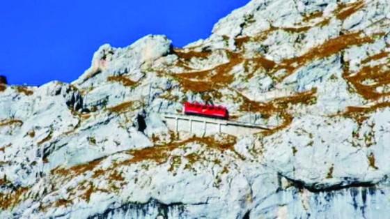 瑞士懸崖火車──世界上最陡峭的鐵路 ảnh 1