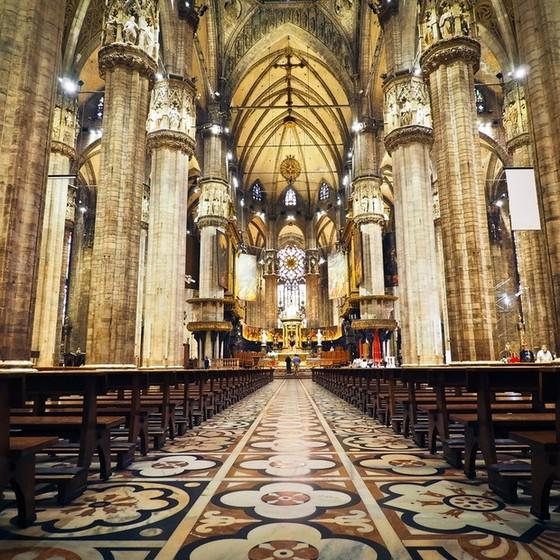 令人震懾的米蘭大教堂 ảnh 1