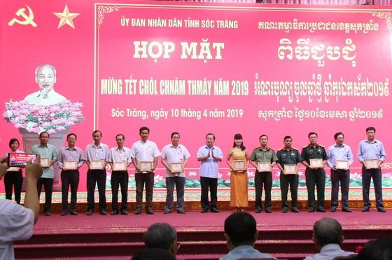 """15 cá nhân được tặng Kỷ niệm chương """"Vì sự nghiệp phát triển các dân tộc"""" ảnh 2"""