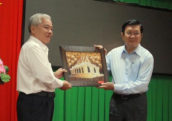 Nguyên Chủ tịch nước Trương Tấn Sang trao nhà chính sách tại Sóc Trăng ảnh 7