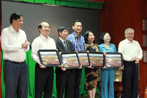 Nguyên Chủ tịch nước Trương Tấn Sang trao nhà chính sách tại Sóc Trăng ảnh 6