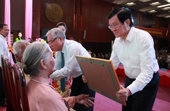 Truy tặng, trao tặng danh hiệu Bà mẹ Việt Nam anh hùng ảnh 1