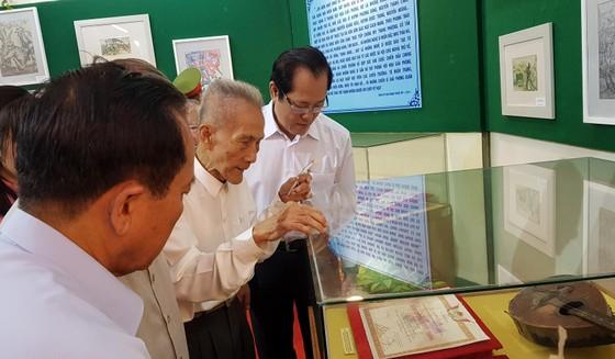Triển lãm ảnh '50 năm thực hiện Di chúc của Chủ tịch Hồ Chí Minh' ảnh 3