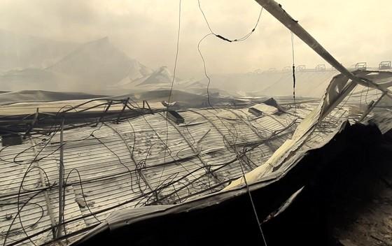 Sau vụ cháy 10.000 m2 nhà xưởng: Sẽ đảm bảo lương, thưởng cho công nhân May Nhà Bè Sóc Trăng ảnh 1