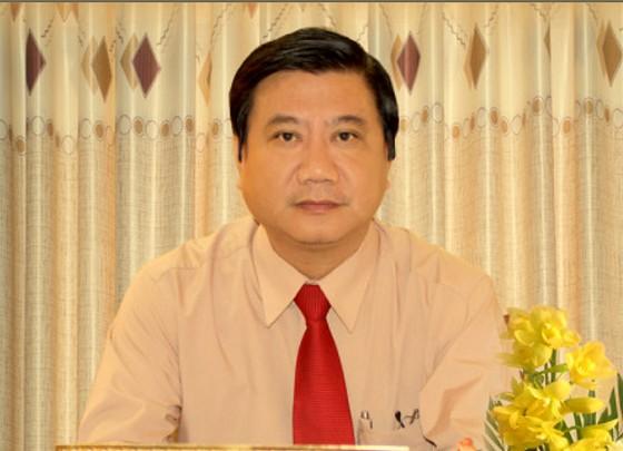 Cựu Chủ tịch quận bị điều động công tác xin nghỉ hưu ở tuổi 54 ảnh 1