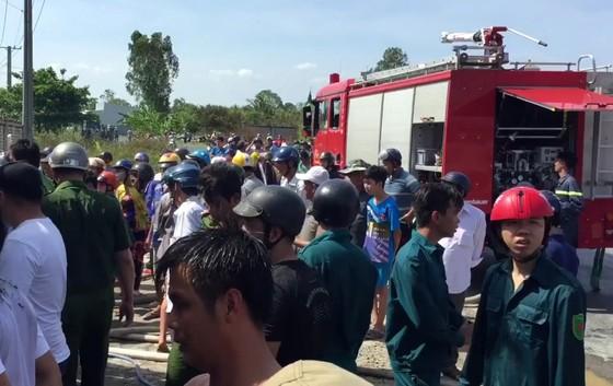 Sóc Trăng: Đại lý bao bì bốc cháy rồi lan qua 2 nhà lân cận ảnh 2