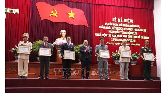 Cần Thơ kỷ niệm 130 năm Ngày sinh Chủ tịch Hồ Chí Minh ảnh 1