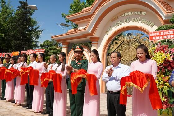 Khánh thành Khu nhà tưởng niệm Chủ tịch Hồ Chí Minh tại Quân khu 9 ảnh 2