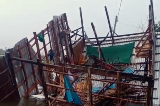 Bão số 2 khiến hàng trăm căn nhà tại ĐBSCL hư hỏng ảnh 1