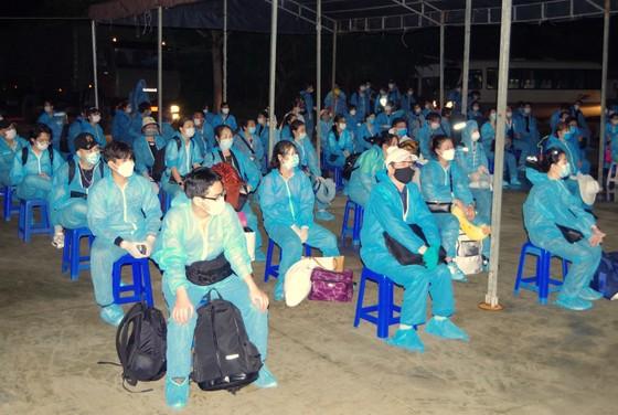 Tiếp nhận và cách ly 140 công dân Việt Nam từ Canada về nước  ảnh 1