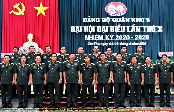Trung tướng Huỳnh Chiến Thắng tái đắc cử Bí thư Đảng ủy Quân khu 9 ảnh 1