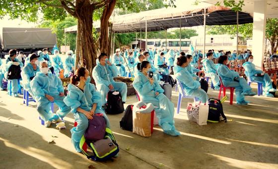Cách ly tập trung 117 công dân từ Singapore trở về nước ảnh 1