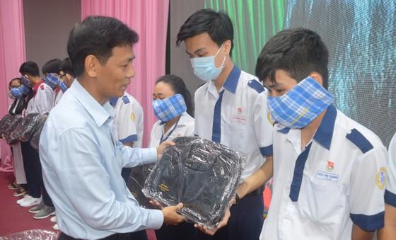 Sóc Trăng trao 406 học bổng Lương Định Của cho học sinh, sinh viên nghèo ảnh 1