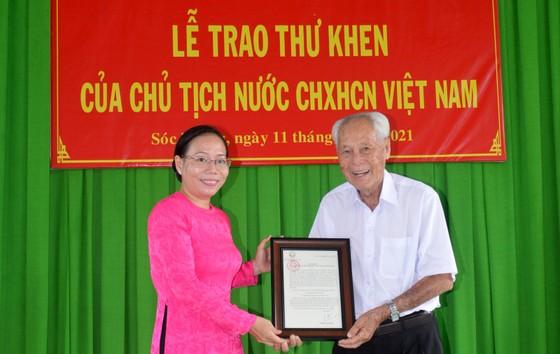 Chủ tịch nước Nguyễn Xuân Phúc gửi thư khen cụ ông 98 tuổi ảnh 1