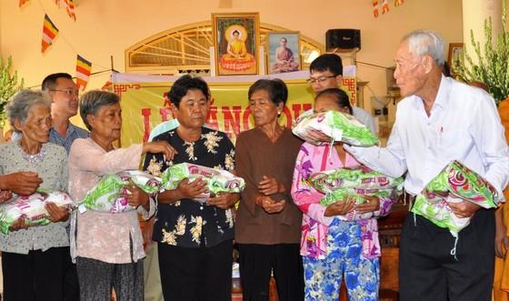Chủ tịch nước Nguyễn Xuân Phúc gửi thư khen cụ ông 98 tuổi ảnh 2