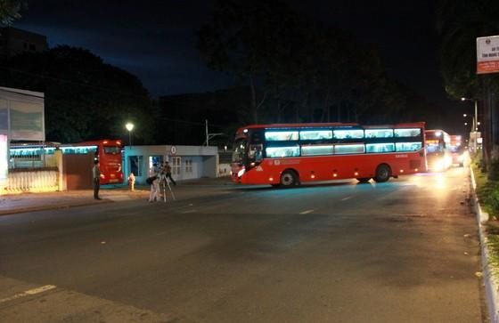 Cần Thơ đón hơn 300 người dân từ TPHCM về quê ảnh 4