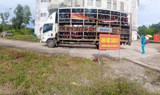 Sóc Trăng, Quảng Ngãi đón người dân từ TPHCM về quê ảnh 3