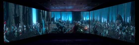 Màn hình chiếu phim 270 độ lần đầu tiên có mặt tại Việt Nam ảnh 2