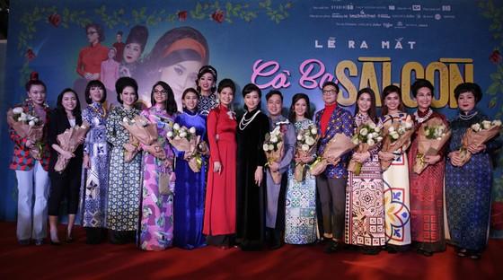 Dàn sao Việt diện áo dài mừng Cô ba Sài Gòn ảnh 1